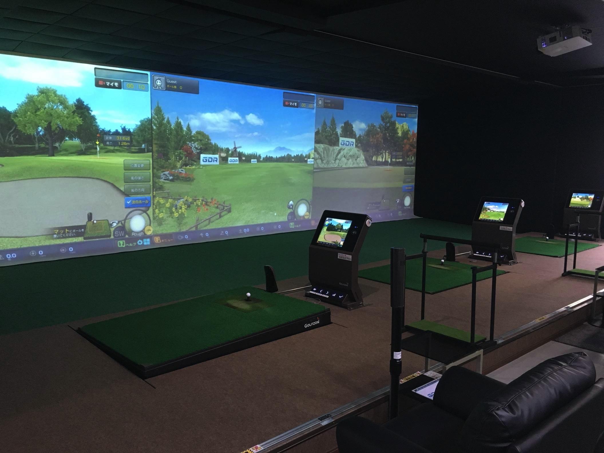 室内ゴルフ練習場 Pit in